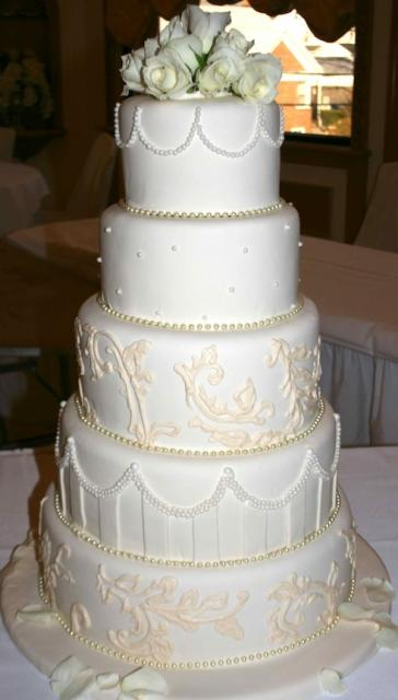 Ivory Pearl Wedding Cake with Roses